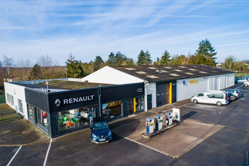 Gros plan Agent Renault garages multimarque